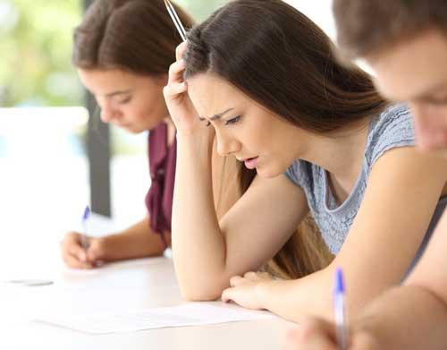 Universidad y Exámenes